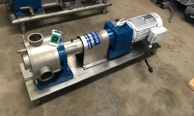 ***SOLD*** used SINE model MR-135 pump. Rated 138 GPM at 150 PSI. Unit has 7.5 HP, 1720 rom, 230/460 volt Drive into 5.99: gear reducer.  Pump used in low shear applications and has Powerful suction even for viscous products. Last used in sanitary food plant.